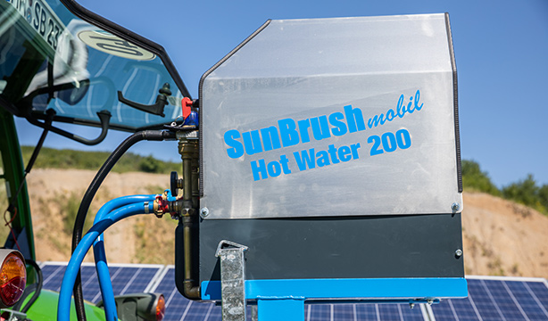 SunBrush mobil  Cleaning equipment accessories, SAFE CLEANING WITH PRE-HEATED WATER